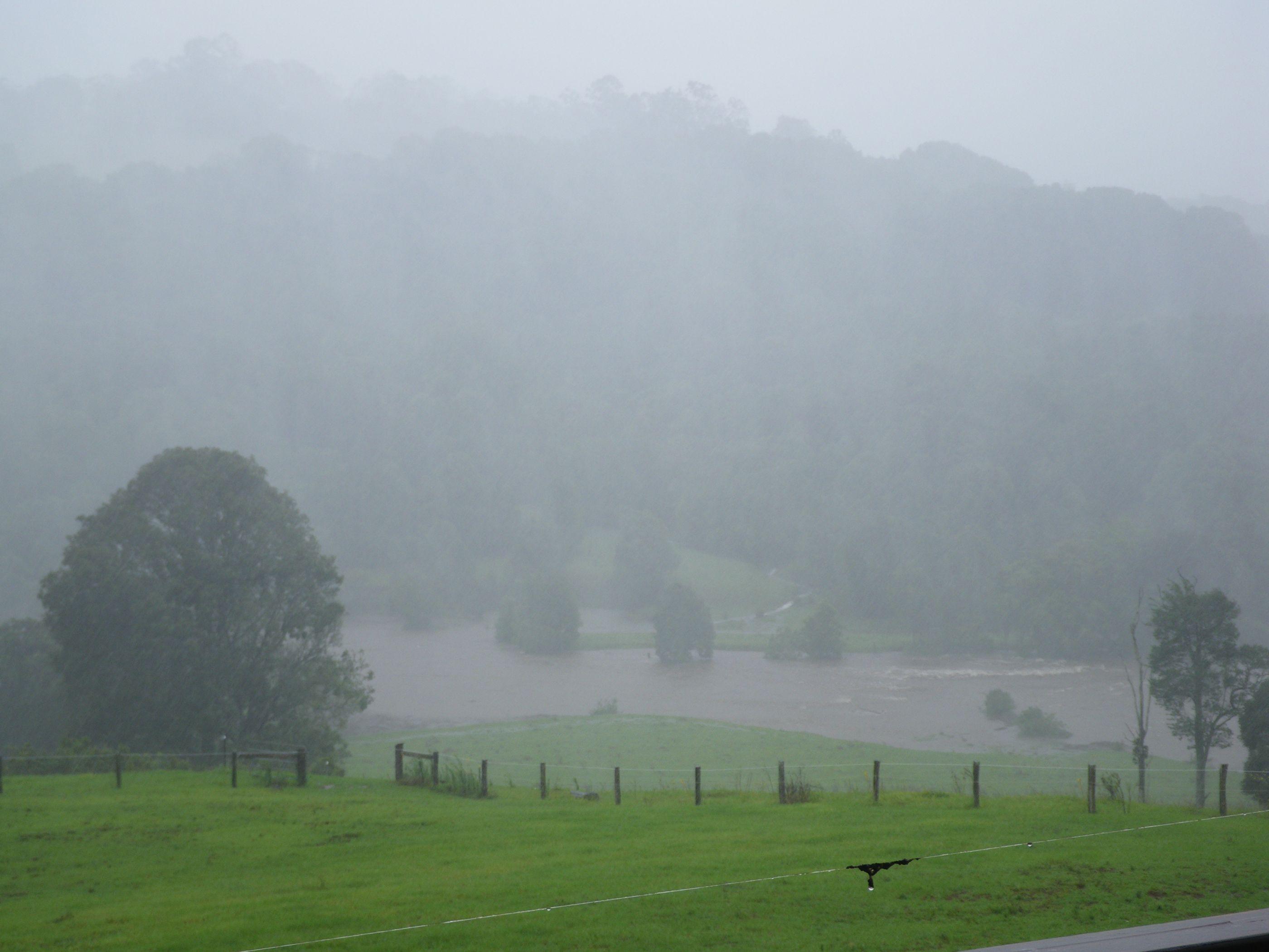Boomerang Creek Jan 2013 flood